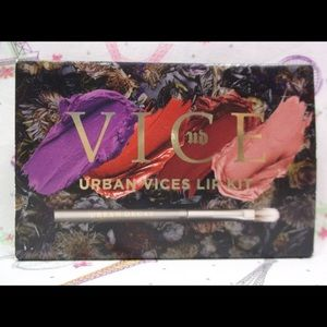 "Urban Decay ""Urban Vices"" 4 Shade Lipstick Palette"